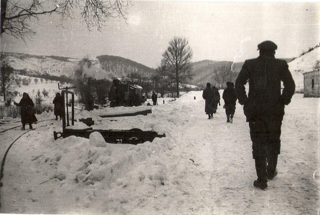 sumska-lokomotiva-u-snijegu-1947