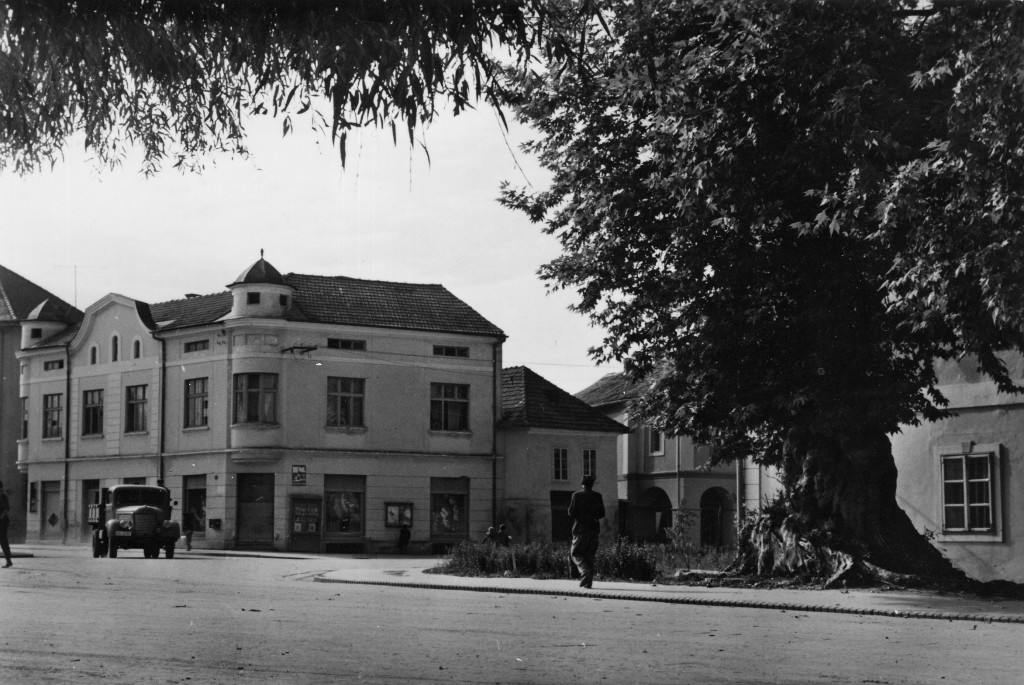 danasnji-trg-bana-josipa-jelacica-pakrac-1965