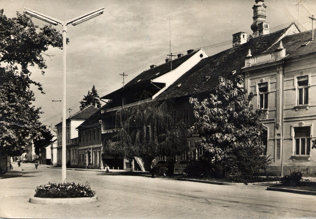 danasnji-trg-bana-josipa-jelacica-pakrac-1965-2