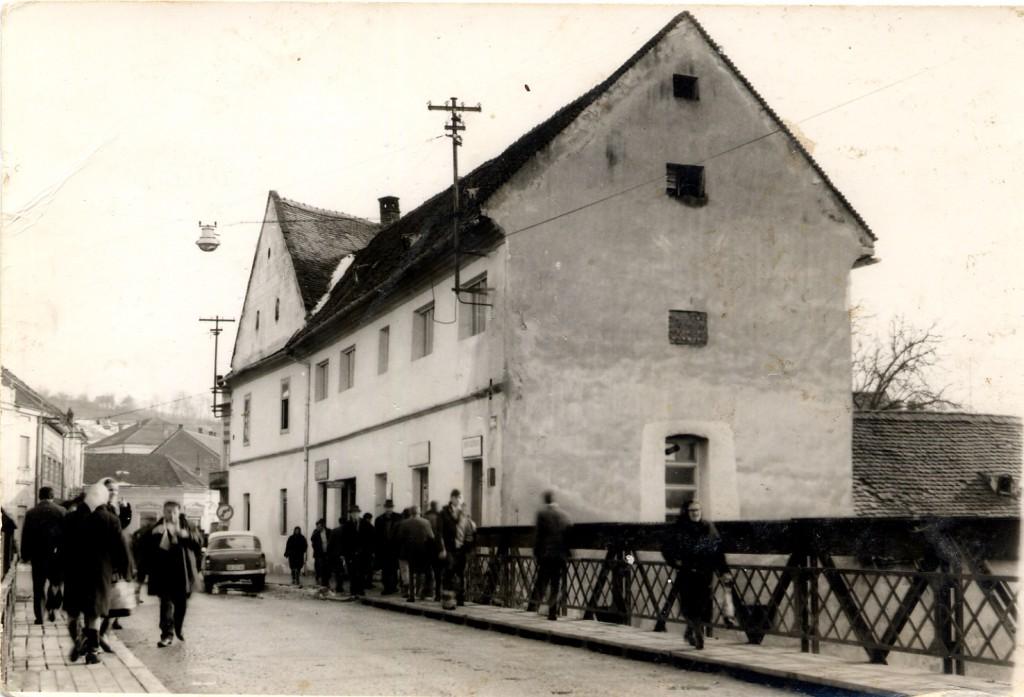 druckerova-trgovina-kod-velikog-mosta-1965