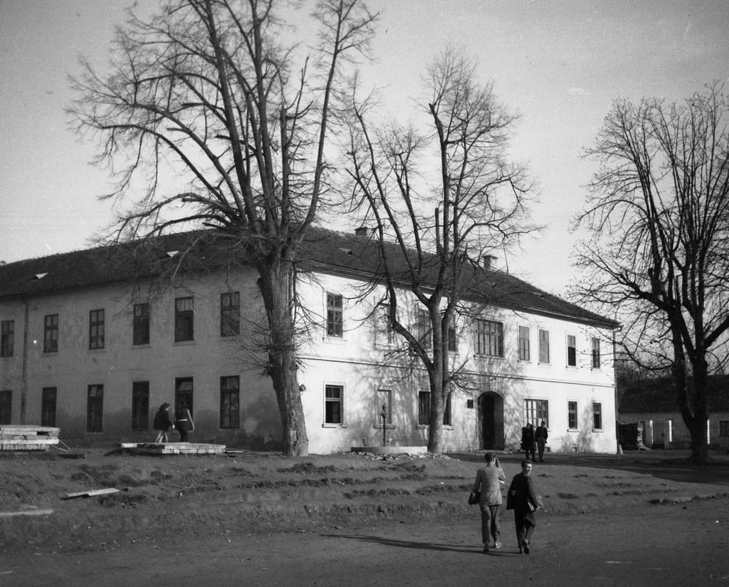 zgrada-gimnazije-i-uciteljske-skole-pakrac-1958